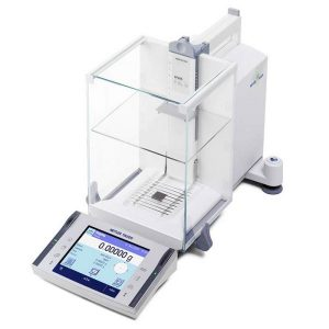 Lab balance and scale for laboratory weighting by Mettler-Toledo